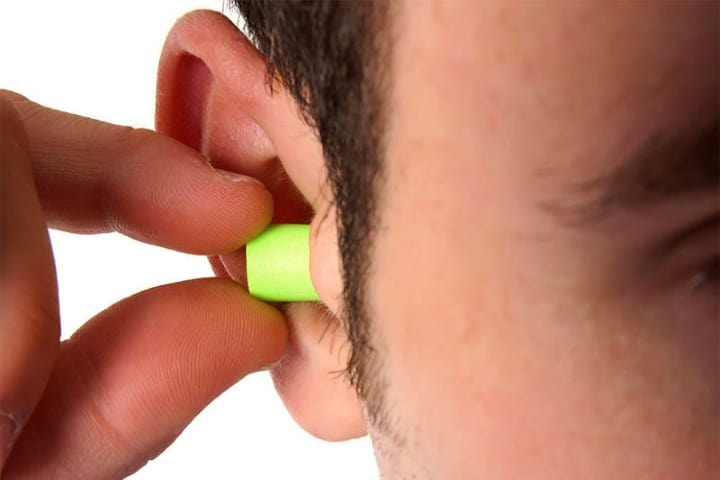 Los-tapones-para-oídos-son-fáciles-de-conseguir-Foto-Fórmula-Moto-9