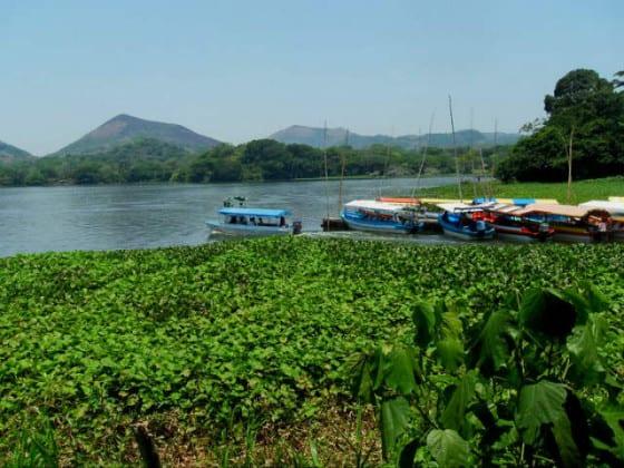 Nanciyaga lagos y lanchas