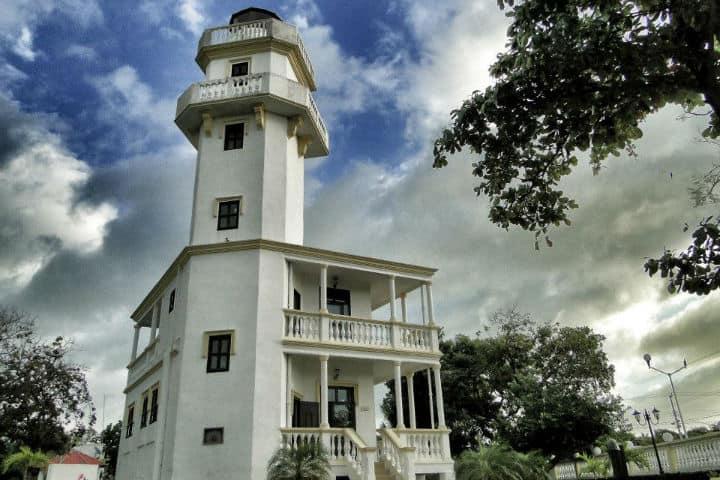 Faro de Isla aguada. Foto: Archivo