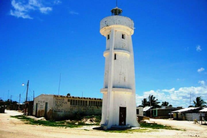 Faro de Isla arena. Foto: Archivo
