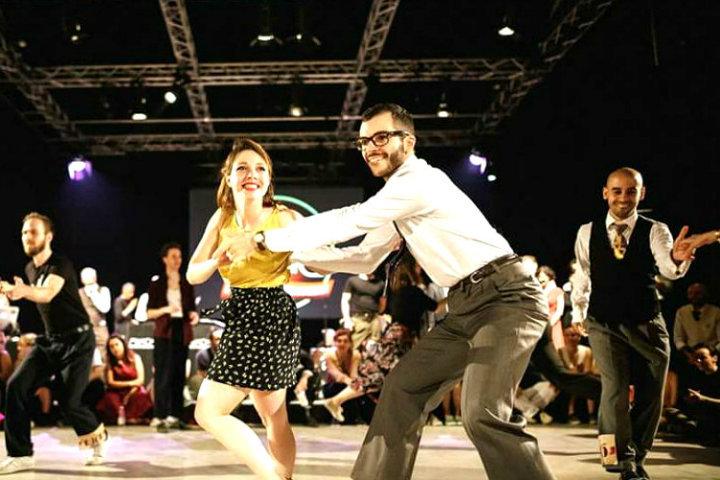 Golden swing society en acción en alguno de sus shows. Foto. MyMI