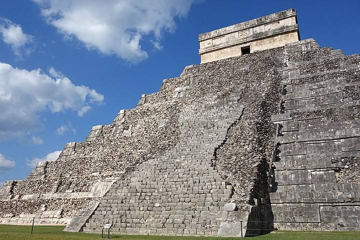 Serenata a la pirámide de Chichén Itzá. Chichén Itzá. Imagen. Luka Peternel