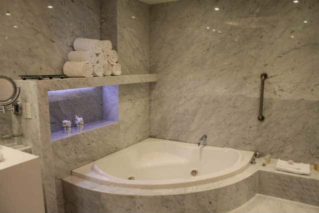 hotel hotsson Suite Presidencial Ba§o M†mol