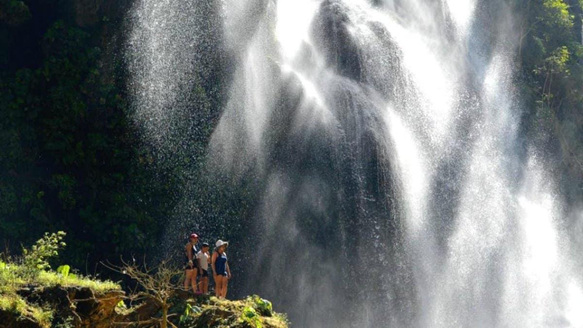 Cascada el Aguacero en Chiapas. Portada. Imagen. Archivo