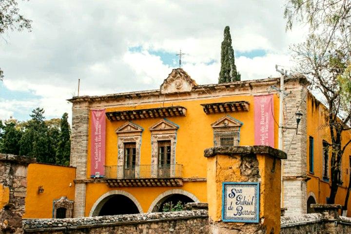 Fachada de la Hacienda San Gabriel. Foto: Host y Cultura Regional