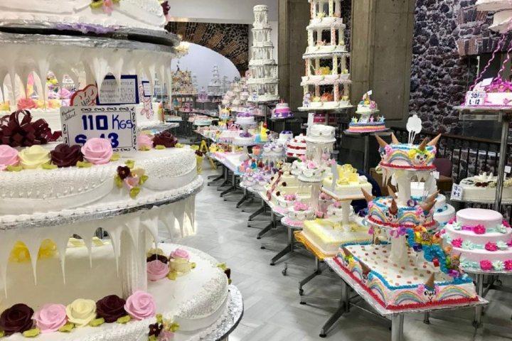 La ideal te encantará por su variedad de pan artesanal y pasteles coloridos. Foto. Cocina y Vino