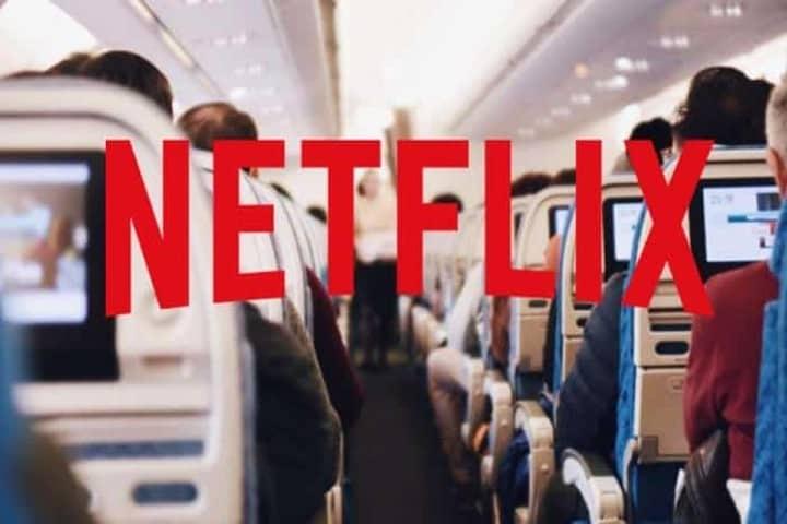 Netflix abordo de Aeromexico. Foto: cinemascomics.com