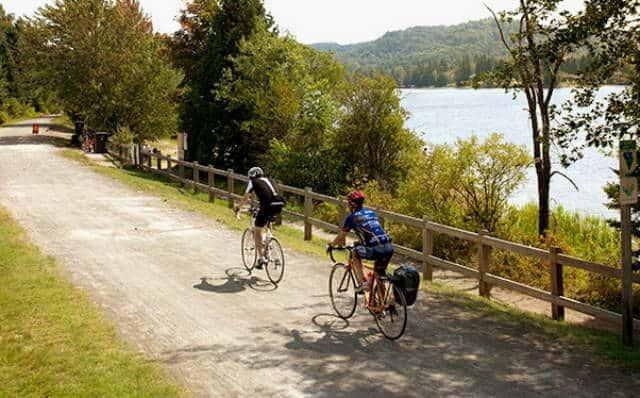 Cicloturismo en Canadá bici en laurentinas 09