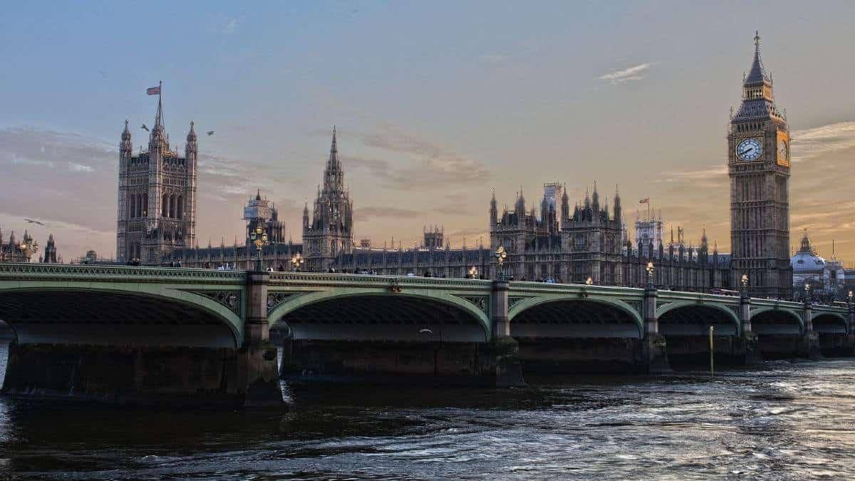 london-530055_1280 (1)