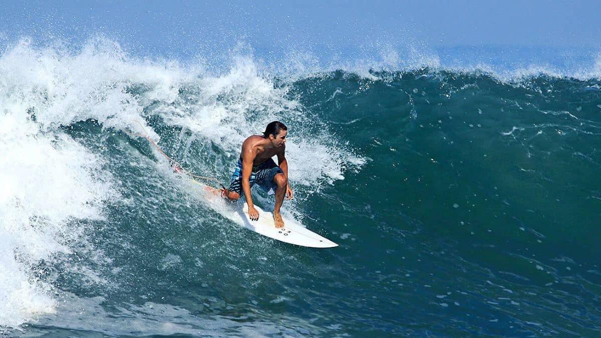 surfista-en-bucerias-mexico