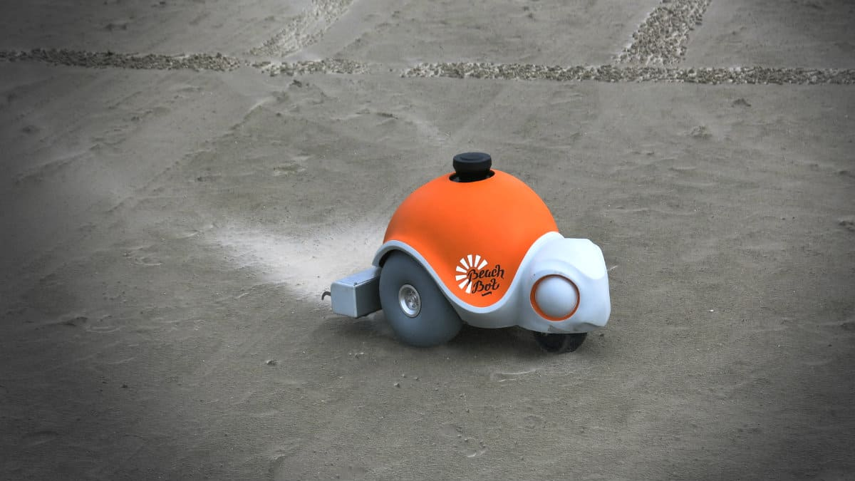 Portada.BeachBot el robot que dibuja en la playa.Foto.Okdiario