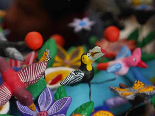Artesanías de barro policromado en México. Foto: José Luis Ruíz