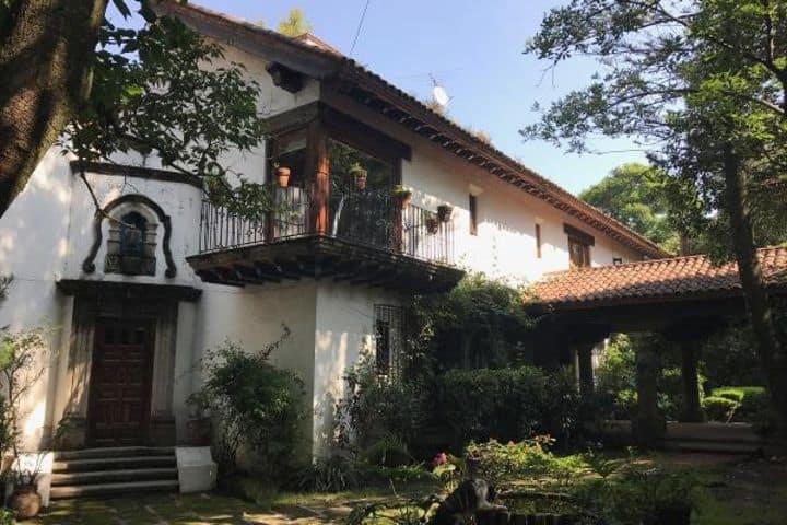 salvador-novo-barrio-santa-catarina-coyoacan-distrito-federal-3876384-foto-01 (1) (1)