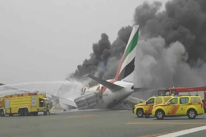 Avión en llamas. Foto: es.airlinestravel.ro
