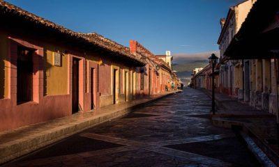 Fotos de San Cristobal de las Casas. Calles de San Cristóbal portada. Imagen. Rod Waddington