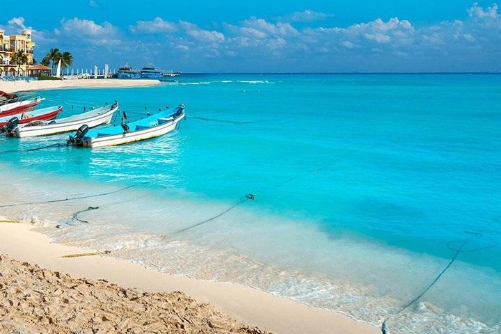 Playas-en-Merida. By Vivaaerobus