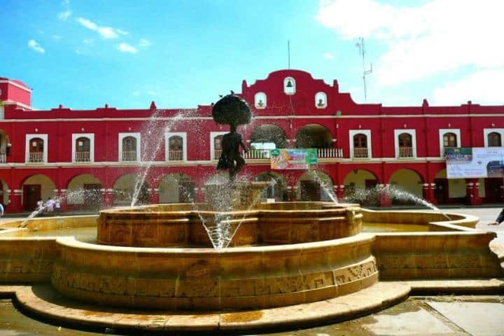 Viaje en Zaachila por Oaxaca. Foto chocolate de la villa real.