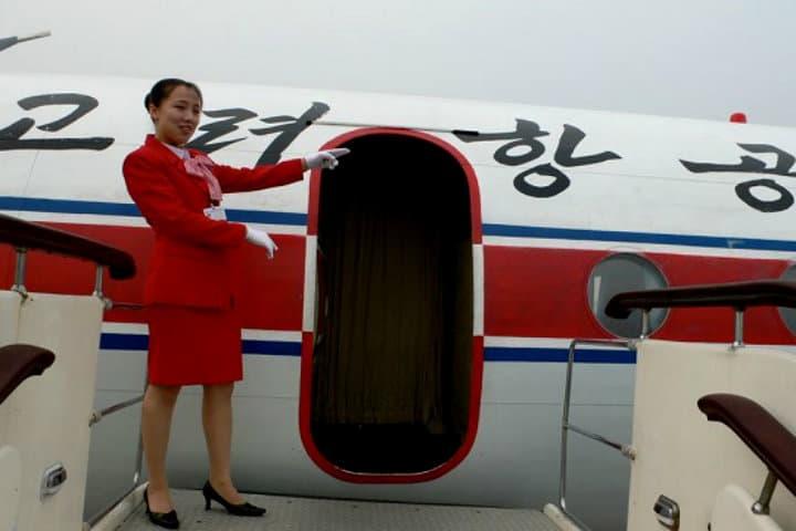 Azafata del avión. Foto: Archivo