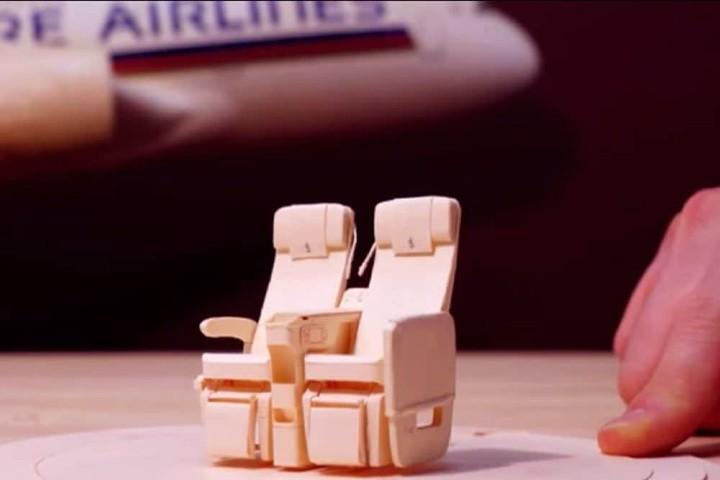 asientos-a-escala-singapur-airlines-lo-detallado-de-los-aviones-a-escala-foto-archivo-1