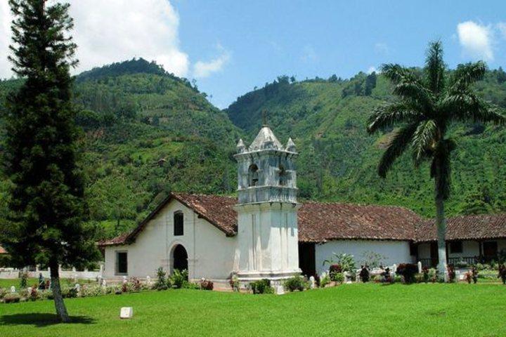 Costa rica provincia de Cartago. Foto Asuaire.