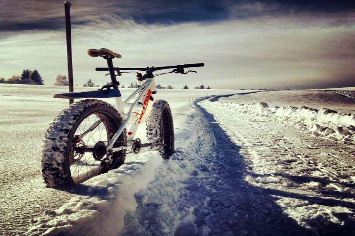 qué es Fatbike o bicicleta sobre nieve. Foto Chirosangaku.