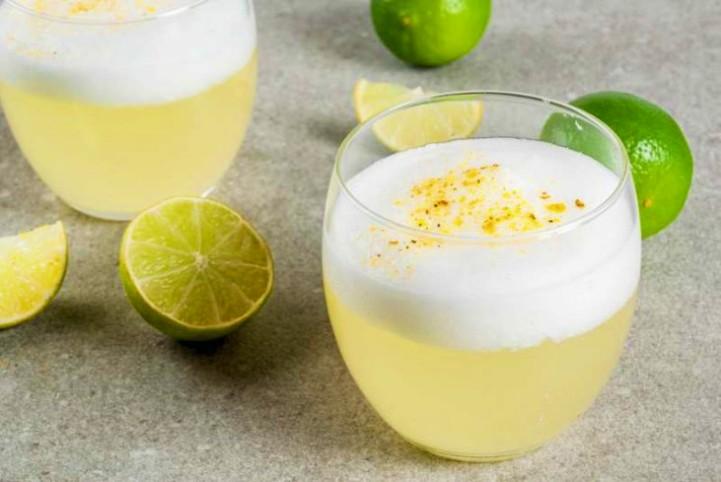 no-puedes-olvidar-los-limones-como-preparar-el-famoso-pisco-sur-foto-del-peru-3