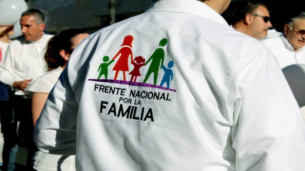 Frente-nacional-por-la-familia-foto-el-sol-del-centro