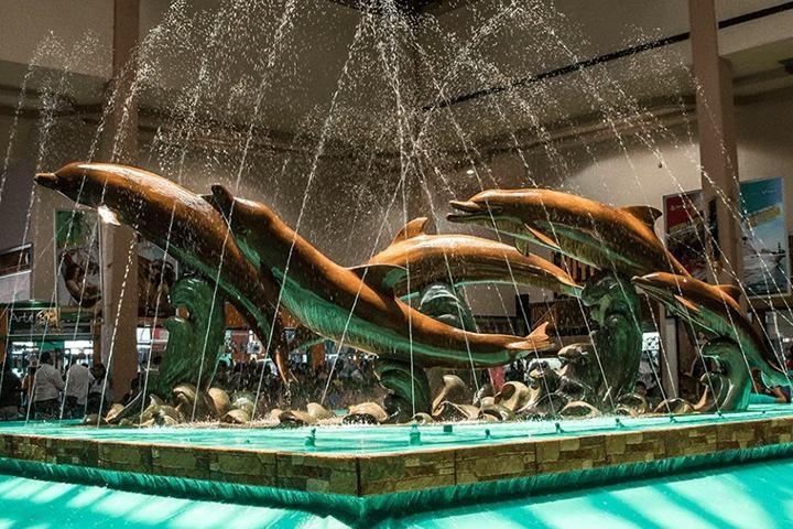 Fuente en la entrada del acuario. Foto Acuario de Veracruz.