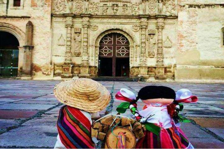 Llegando al pueblo Mágico de Yurria Foto: Jose Luis Orozco