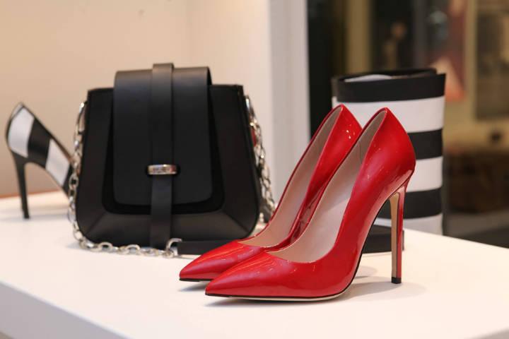 Zapatos rojos. Foto: Alexandra Maria