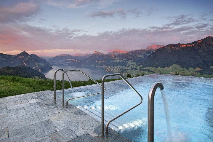 alberca del Hotel Villa Honegg