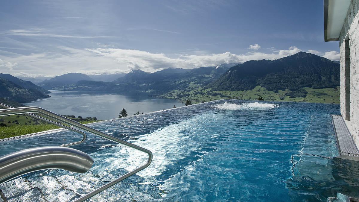 alberca en suiza