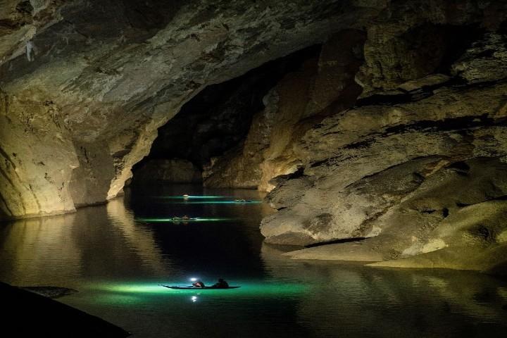 hu-bon-hoi-vietnam-cuevas-phong nha-foto-thuis-in.vietman-3