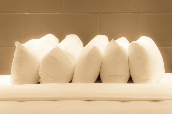 Las almohadas son importantes y en Hotel Marriott Casa Magna Cancún no es problema Foto por: saturnism