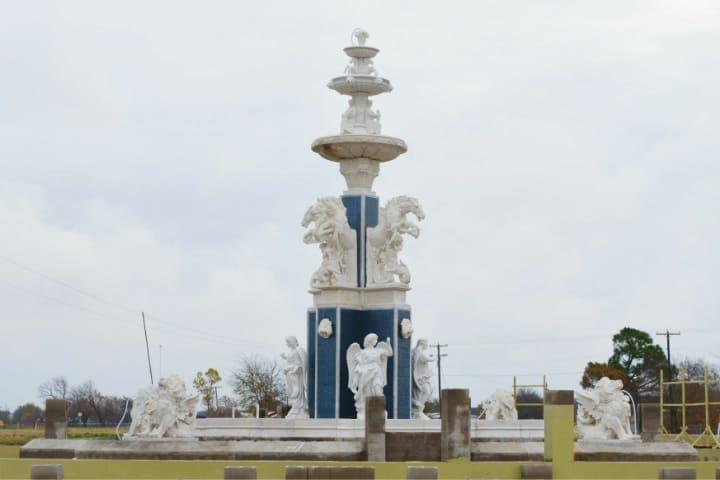 Así se comenzó la fuente que tendrá la estatua a Poseidón Foto The Sun