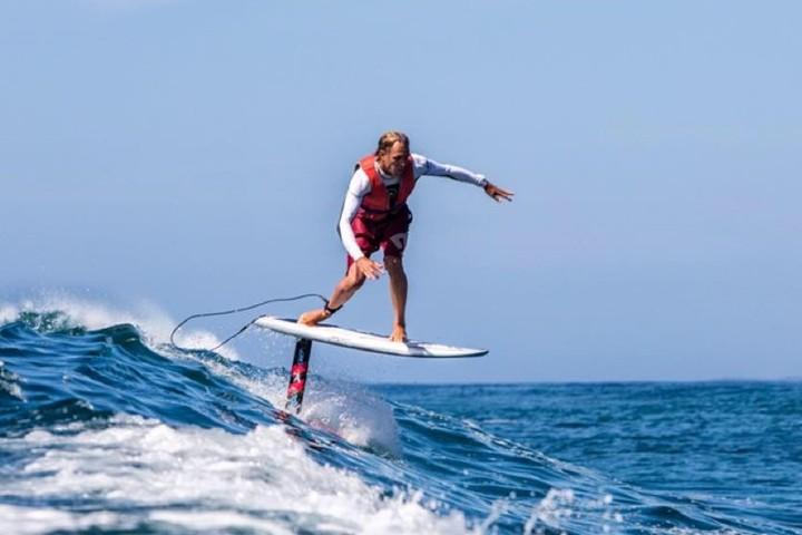Foto Hydrofoil surfing Australia FB.