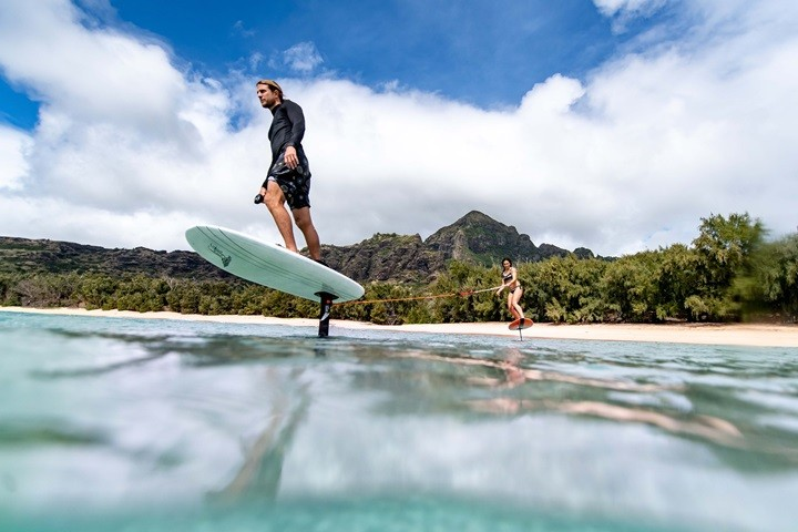 Foto Hydrofoil surfing FB.