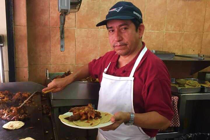 Nunca estará de más platicar con los trabajadores y dueños del lugar Foto Laura Iglesias Cervantes