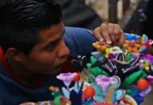 pueblos-artesanales-artesano-barro-policromado