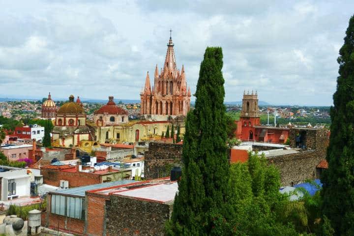Qué tal te parecería compartir al instante esas vistas maravillosas que ofrece San Miguel de Allende, ahora podrás hacerlo con su WiFi gratis Foto Pau Morfin