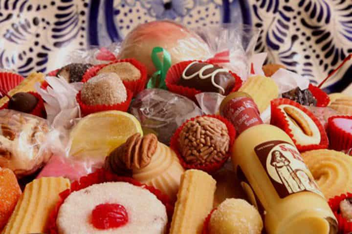 cena-navidad-mexicana-dulces