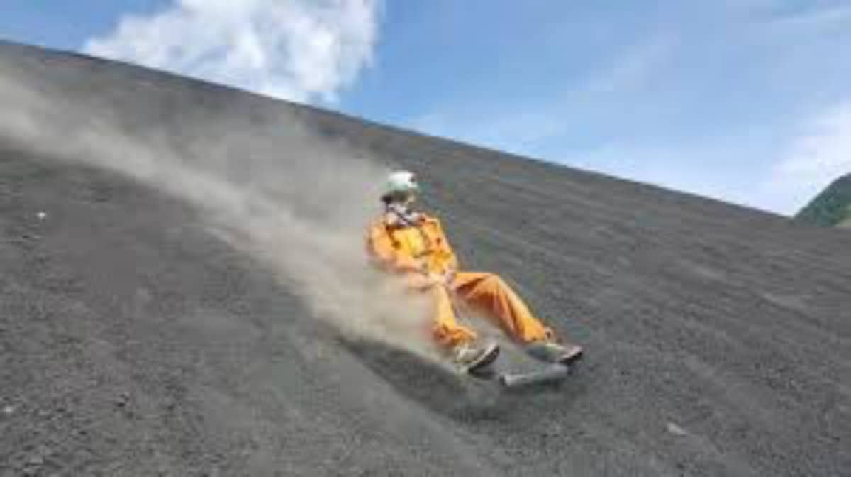 volcano boarding 5