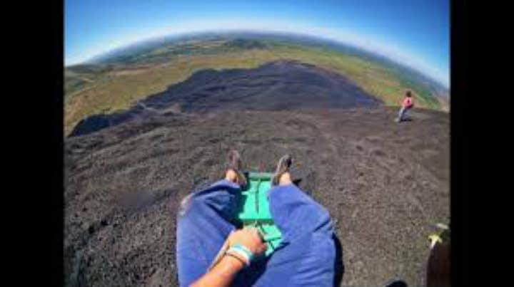 volcano boarding.7