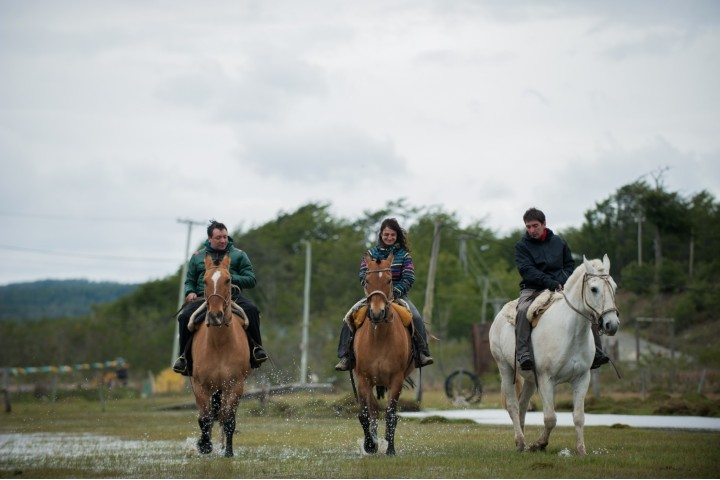 Cabalgar con tus amigos. Foto: findelmundo.tur.ar