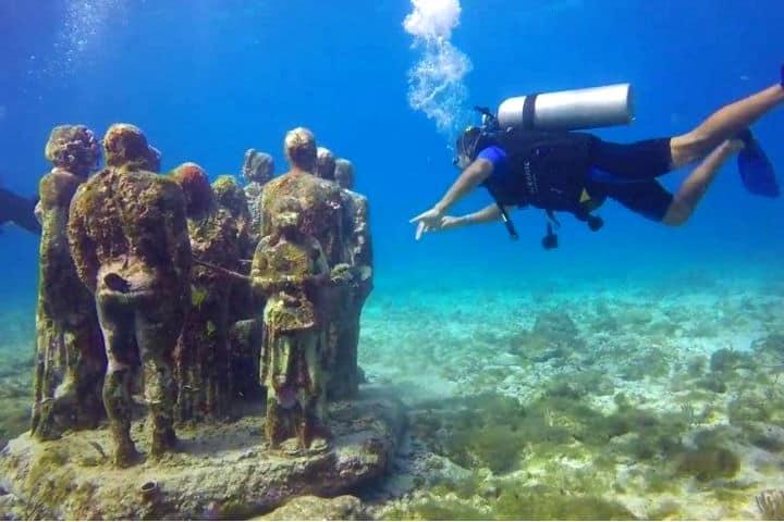 Diviértete en el museo subacuático.Foto.Descubro.2
