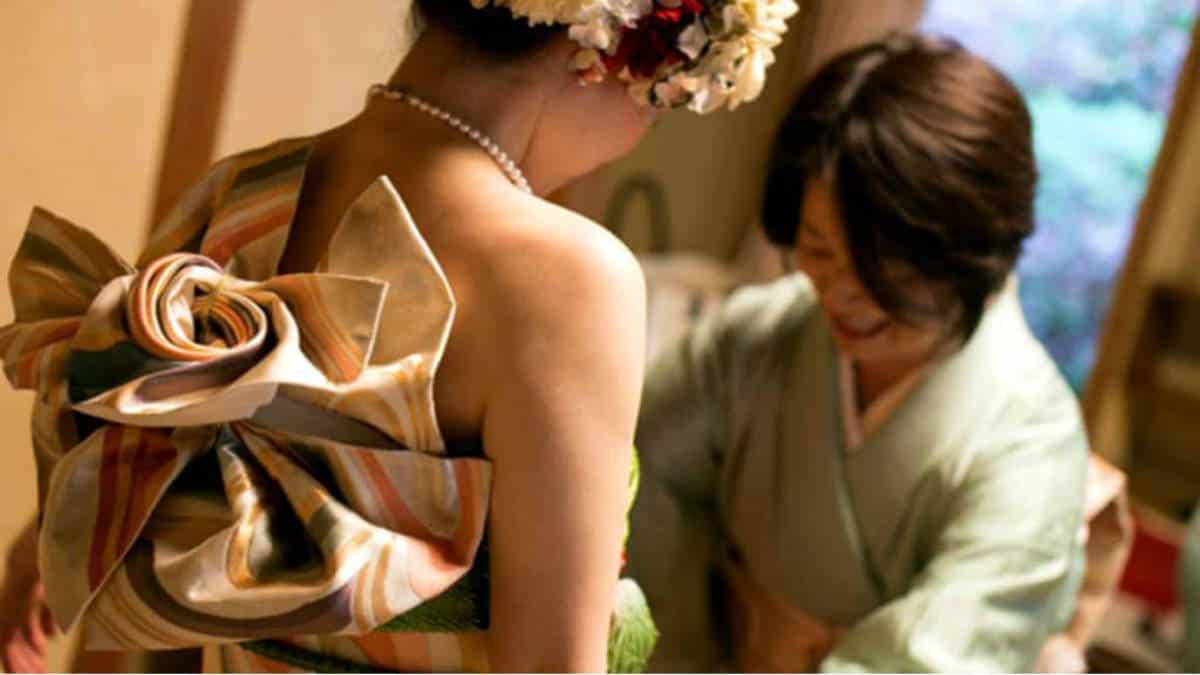 Portada.De kimonos a vestidos de novia en Japón.Foto.Archivo