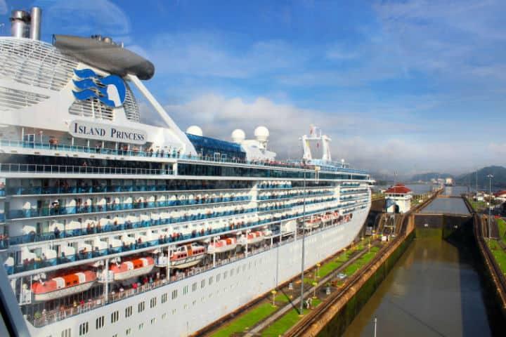 Cruceros que pasan por el canal de Panamá. Foto: Archivo