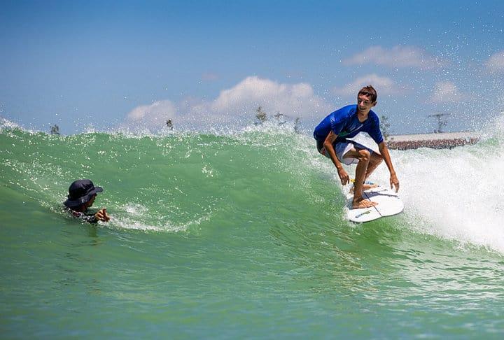 Nland surf park una laguna para surfear en el coraz n de for Como hacer una laguna artificial