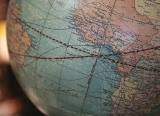paises atraviesa ecuador (4)