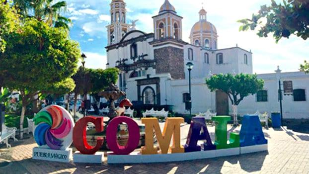 Letras monumentales, Cómala, Colima
